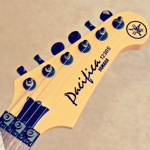 Yamaha Pacifica 1230S headstock