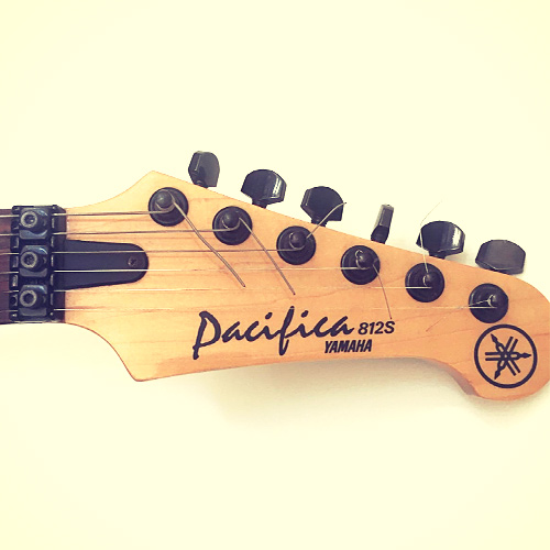 Yamaha Pacifica 812S headstock