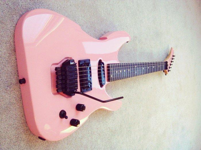 Peavey Vandenberg Signature Pink