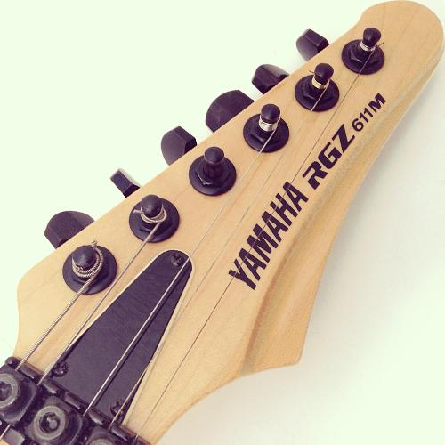 Yamaha RGZ 611M headstock
